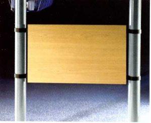 Element mocujący płytę czołową biurka